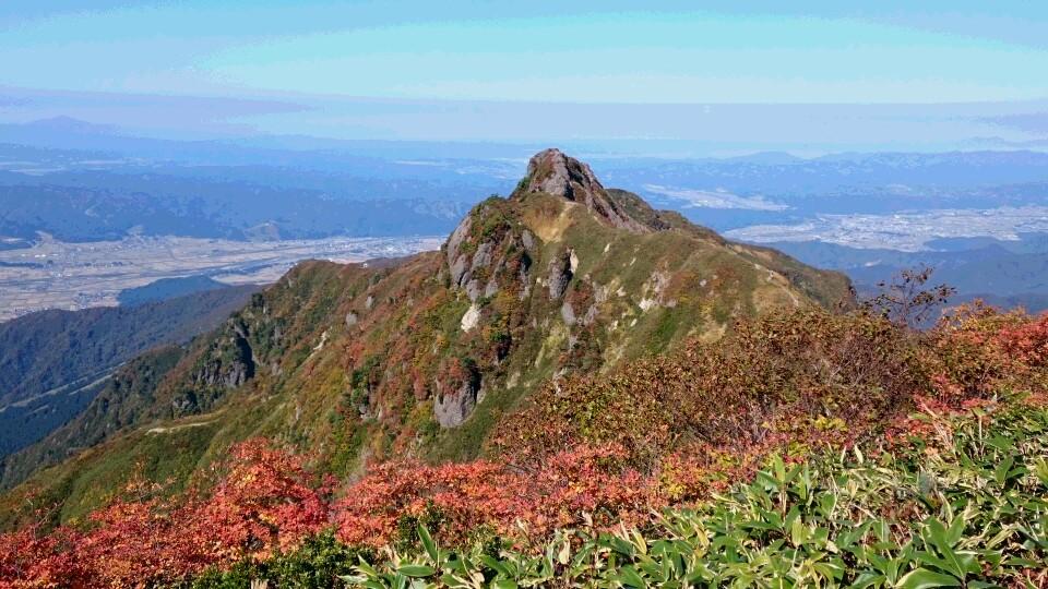 八海山、入道岳山頂です